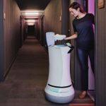 ROBOT MAYORDOMO SAVIOKE RELAY BOLTR para hoteles, restaurantes, hospitales y empresas