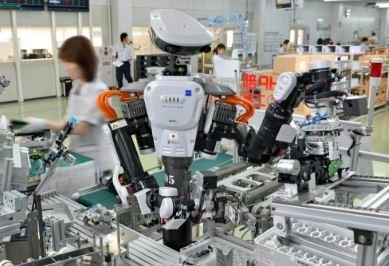 kawada mantiene a su robot colaborativo Nextage