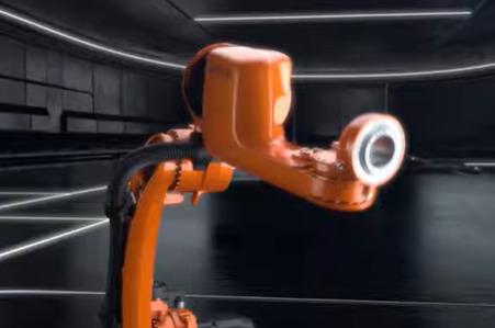 Kuka y Coulson Ice Blast crean un brazo robótico que limpia con un chorro de hielo